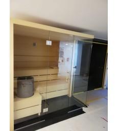 Massief abachi sauna op maat en glaspartij